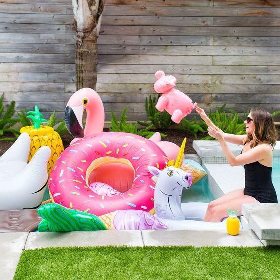 Как продлить лето? Организуем Cool Pool Party!