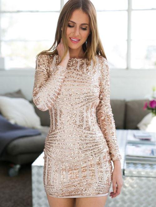 Блестящий выход: где купить нарядные платья с блестками и пайетками