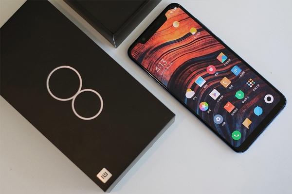 Xiaomi Mi 8 в GearBest можно купить уже сейчас
